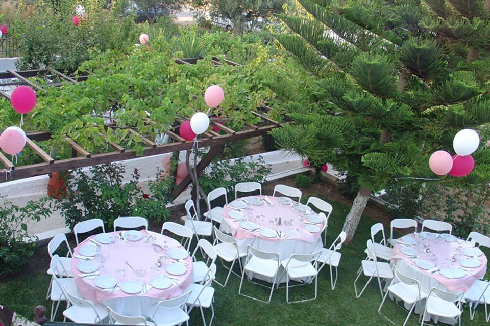 Catering rentals tables and chairs by Triki Fun