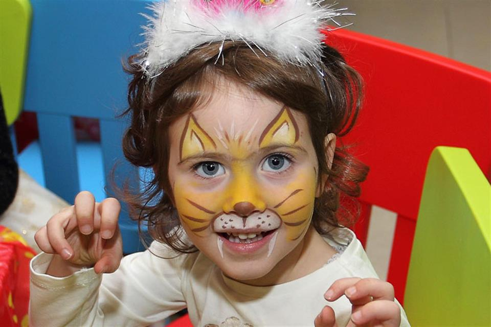 Tiger face painting paidiko party Triki Fun
