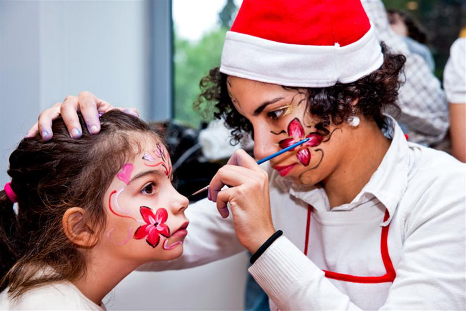 Christmas face painting by Triki Fun